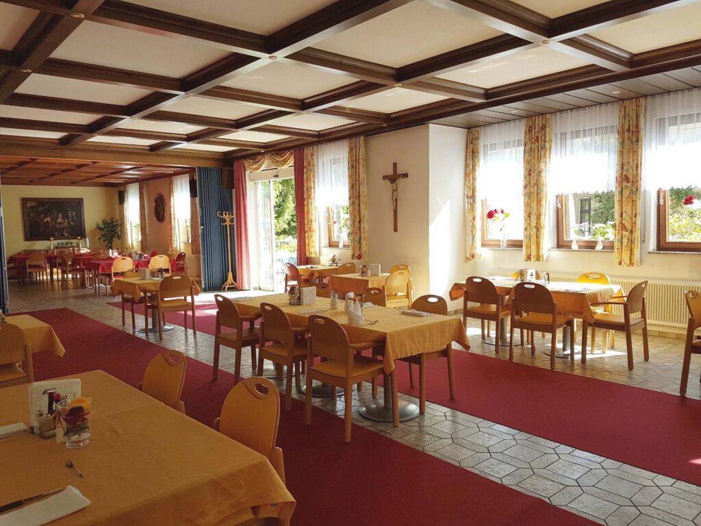 Speisesaal im Herz-Jesu-Heim