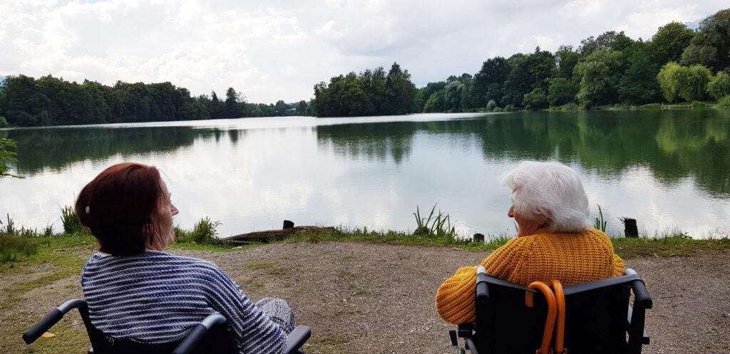 Seniorenbetreuung am See